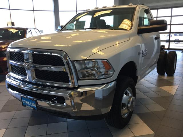 2017 Ram 3500 Regular Cab DRW 4x4 Cab Chassis #HG684407 - photo 19