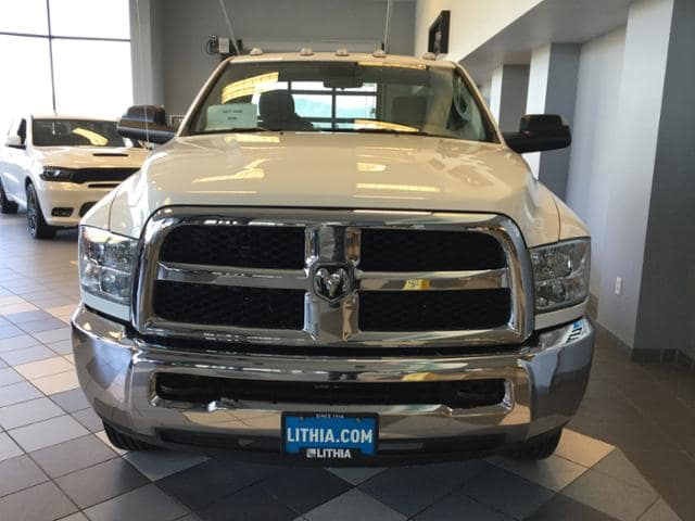 2017 Ram 3500 Regular Cab DRW 4x4 Cab Chassis #HG684407 - photo 3