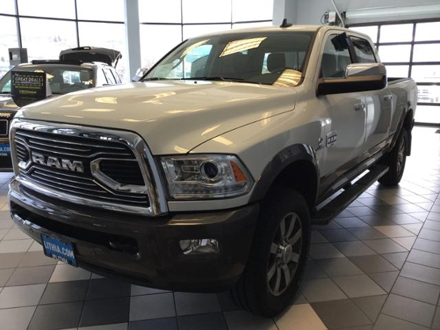 2017 Ram 3500 Crew Cab 4x4 Pickup #HG766388 - photo 24