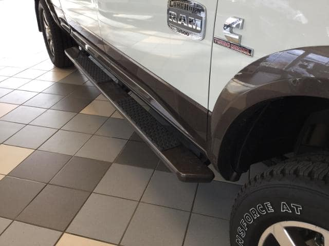 2017 Ram 3500 Crew Cab 4x4 Pickup #HG766388 - photo 9