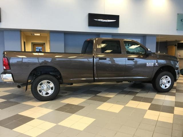2018 Ram 2500 Crew Cab 4x4 Pickup #JG116694 - photo 10