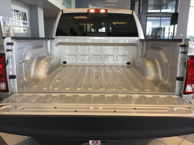 2018 Ram 1500 Crew Cab 4x4, Pickup #JG171666 - photo 20