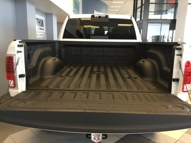2018 Ram 3500 Mega Cab 4x4 Pickup #JG182716 - photo 26