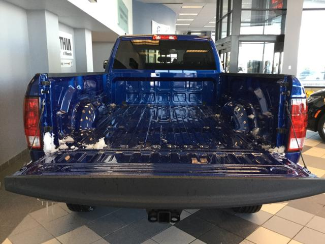 2018 Ram 3500 Crew Cab 4x4, Pickup #JG200032 - photo 24
