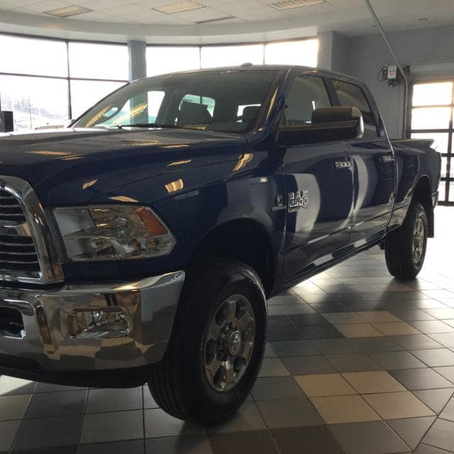 2018 Ram 2500 Crew Cab 4x4, Pickup #JG233196 - photo 4