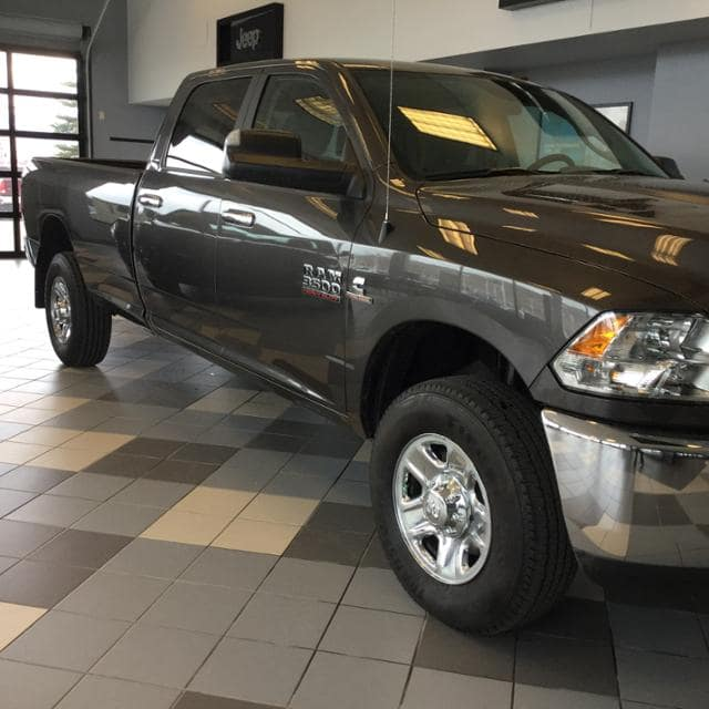 2018 Ram 3500 Crew Cab 4x4, Pickup #JG236400 - photo 3