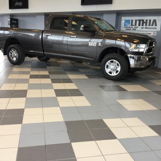 2018 Ram 3500 Crew Cab 4x4, Pickup #JG236400 - photo 4
