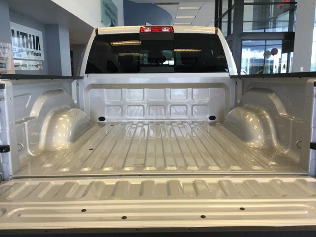 2018 Ram 1500 Crew Cab 4x4, Pickup #JS109826 - photo 8