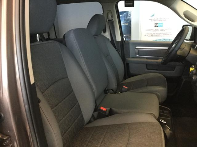 2018 Ram 1500 Crew Cab 4x4, Pickup #JS109827 - photo 13