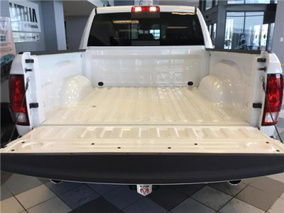 2018 Ram 1500 Crew Cab 4x4, Pickup #JS109840 - photo 19