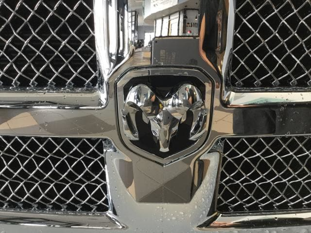 2018 Ram 1500 Crew Cab 4x4, Pickup #JS138300 - photo 4