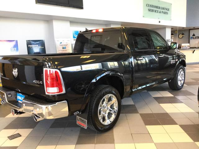 2018 Ram 1500 Crew Cab 4x4, Pickup #JS138352 - photo 2