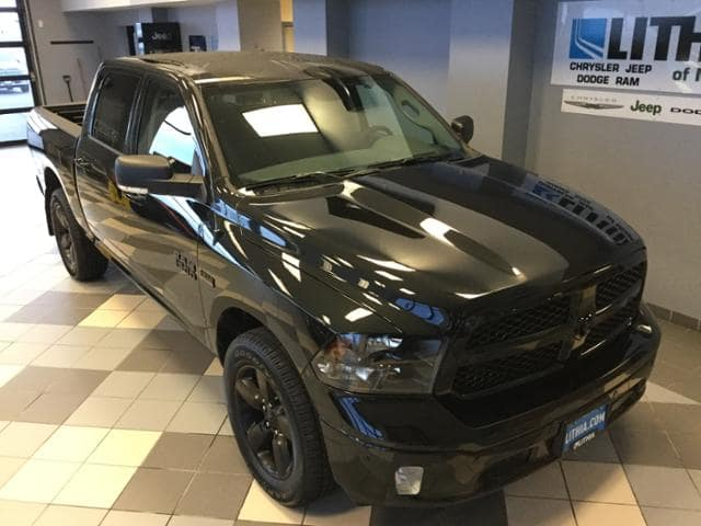 2018 Ram 1500 Crew Cab 4x4, Pickup #JS156165 - photo 4