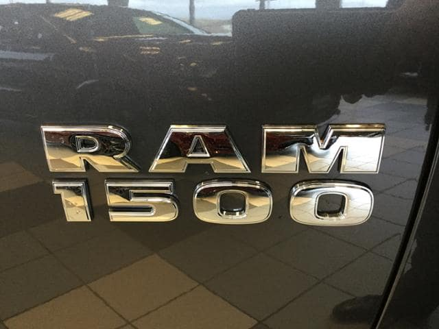 2018 Ram 1500 Quad Cab 4x4 Pickup #JS176327 - photo 7