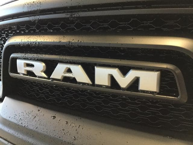 2018 Ram 1500 Crew Cab 4x4, Pickup #JS197687 - photo 4