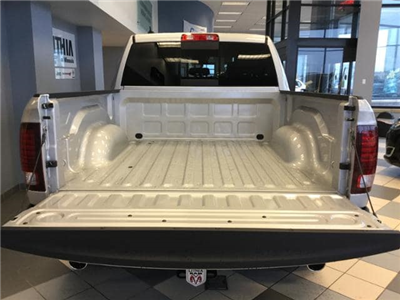 2018 Ram 1500 Crew Cab 4x4, Pickup #JS197687 - photo 23