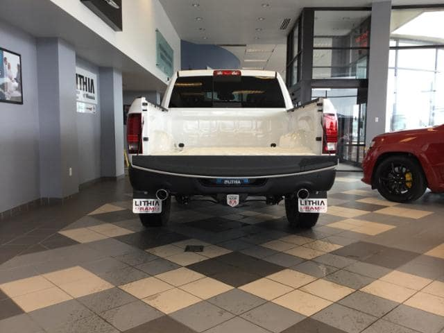 2018 Ram 1500 Crew Cab 4x4, Pickup #JS197688 - photo 7
