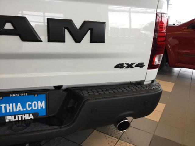 2018 Ram 1500 Crew Cab 4x4, Pickup #JS197688 - photo 9