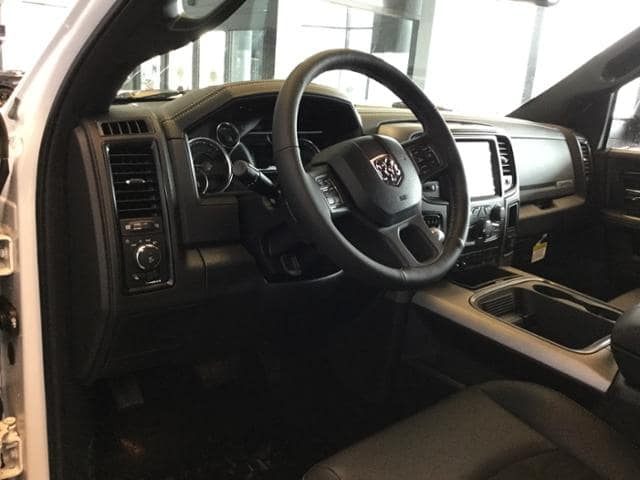 2018 Ram 1500 Crew Cab 4x4, Pickup #JS197688 - photo 16