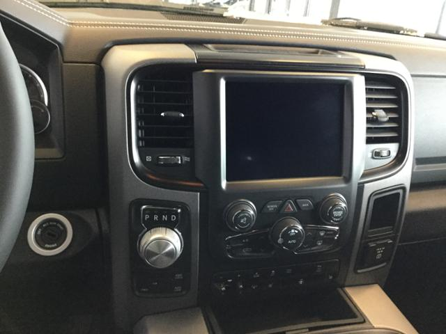 2018 Ram 1500 Crew Cab 4x4, Pickup #JS197688 - photo 19