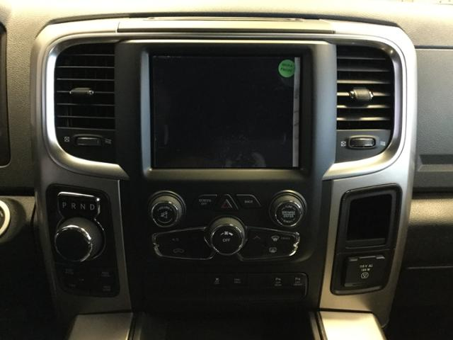 2018 Ram 1500 Crew Cab 4x4, Pickup #JS232842 - photo 25