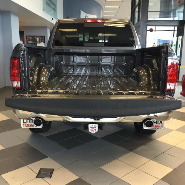 2018 Ram 1500 Crew Cab 4x4, Pickup #JS254486 - photo 10