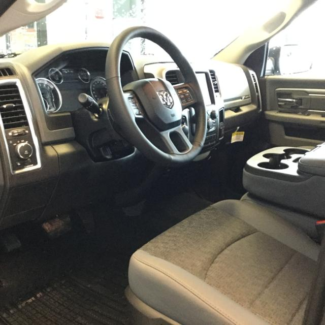 2018 Ram 1500 Crew Cab 4x4, Pickup #JS254486 - photo 12