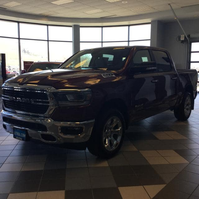 2019 Ram 1500 Crew Cab 4x4, Pickup #KN525709 - photo 3