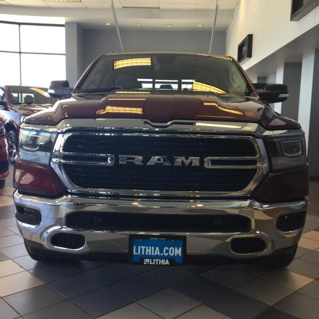 2019 Ram 1500 Crew Cab 4x4, Pickup #KN525709 - photo 5