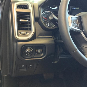 2019 Ram 1500 Crew Cab 4x4,  Pickup #KN606711 - photo 17