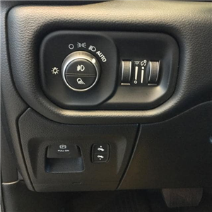 2019 Ram 1500 Crew Cab 4x4,  Pickup #KN606711 - photo 18