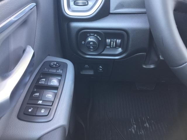 2019 Ram 1500 Crew Cab 4x4,  Pickup #KN622250 - photo 25