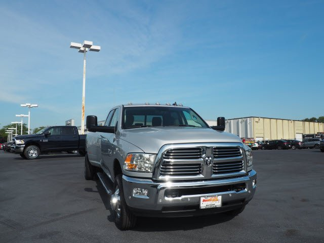 2017 Ram 3500 Crew Cab DRW 4x4 Pickup #RT17132 - photo 3