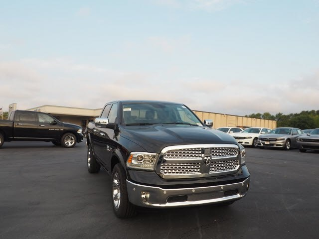 2018 Ram 1500 Crew Cab 4x4, Pickup #RT18032 - photo 3