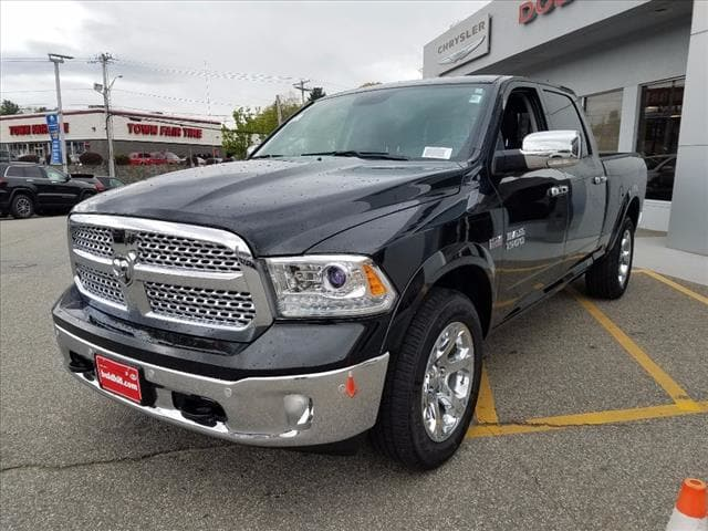 2017 Ram 1500 Crew Cab 4x4 Pickup #D17278 - photo 4