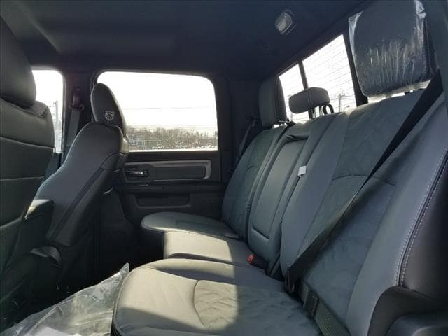 2018 Ram 2500 Crew Cab 4x4, Pickup #D18182 - photo 11