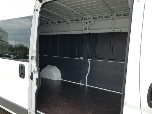 2018 ProMaster 2500 High Roof FWD,  Empty Cargo Van #D18276 - photo 10