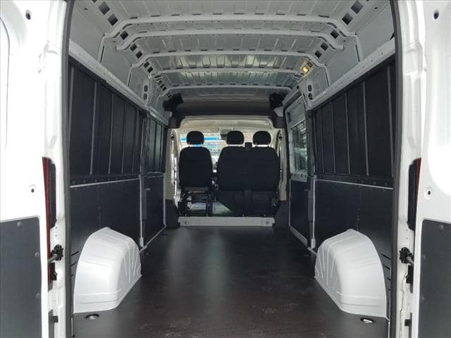2018 ProMaster 2500 High Roof FWD,  Empty Cargo Van #D18276 - photo 2