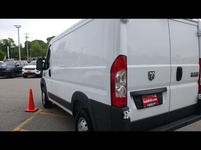 2018 ProMaster 1500 Standard Roof 4x2,  Empty Cargo Van #D18290 - photo 4