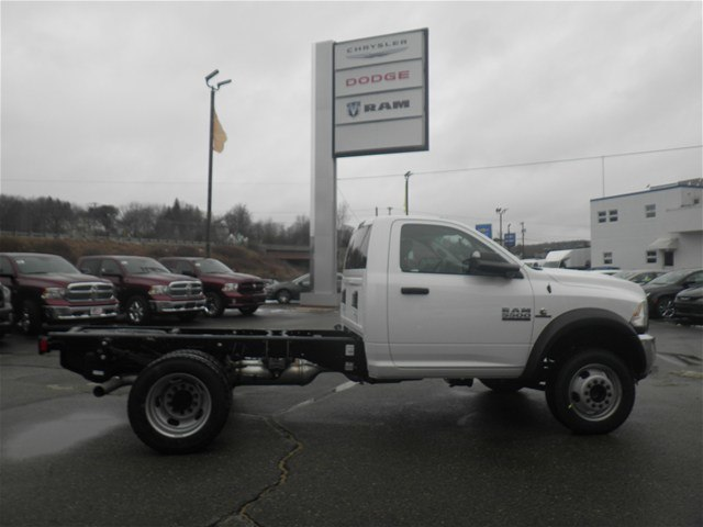2017 Ram 5500 Regular Cab DRW 4x4, Cab Chassis #N17111 - photo 4