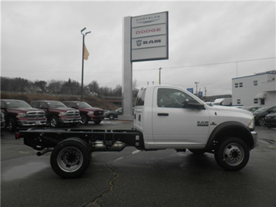 2017 Ram 5500 Regular Cab DRW 4x4 Cab Chassis #N17111 - photo 4
