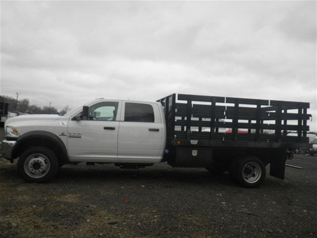 2017 Ram 5500 Crew Cab DRW 4x4, Reading Stake Bed #N17130 - photo 3