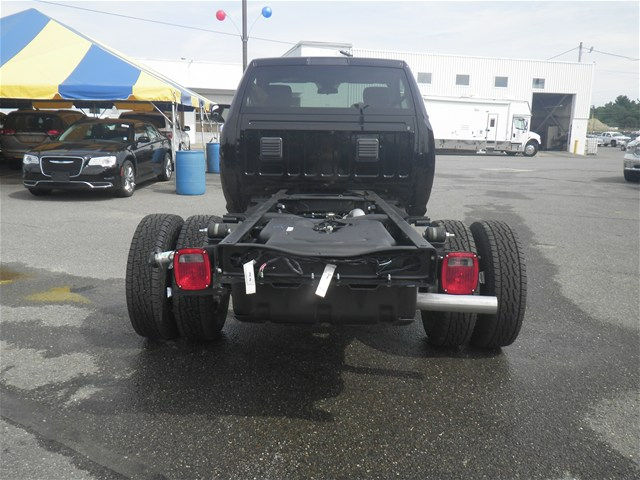 2017 Ram 3500 Regular Cab DRW 4x4 Cab Chassis #N17257 - photo 2