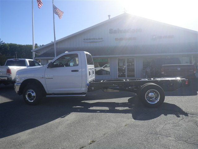 2018 Ram 3500 Regular Cab DRW 4x4, Cab Chassis #N18005 - photo 3