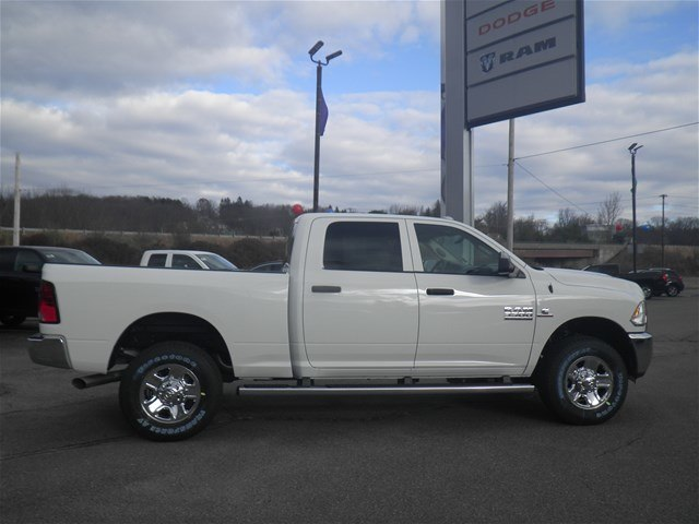 2018 Ram 3500 Crew Cab 4x4, Pickup #N18027 - photo 4