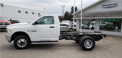 2018 Ram 3500 Regular Cab DRW 4x4, Cab Chassis #N18165 - photo 3