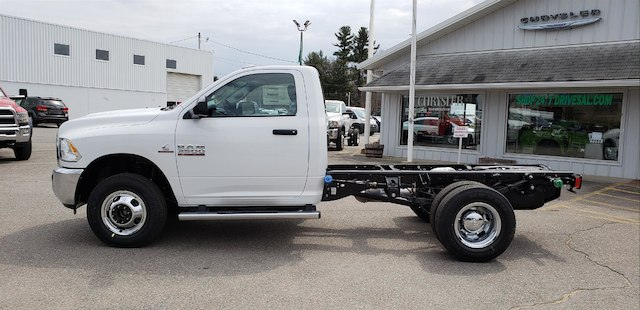 2018 Ram 3500 Regular Cab DRW 4x4,  Cab Chassis #N18166 - photo 3