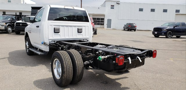 2018 Ram 3500 Regular Cab DRW 4x4, Cab Chassis #N18166 - photo 2