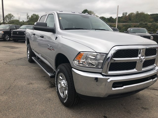 2018 Ram 3500 Crew Cab 4x4,  Pickup #N18275 - photo 4