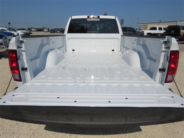 2018 Ram 3500 Crew Cab DRW 4x4, Pickup #111944 - photo 29